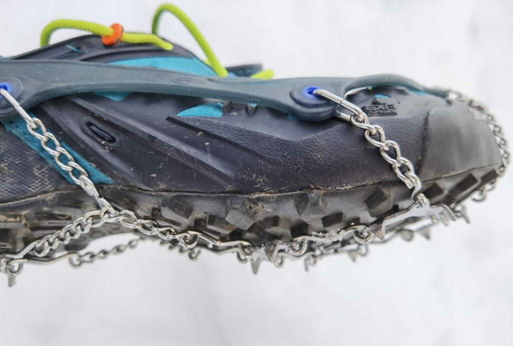 Das sind die snowline chainsen trail auf einem Trailrunning Schuh